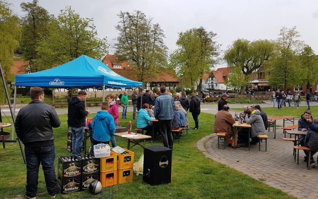 """""""Durst und Wurst"""" Maifeier in Brochterbeck"""